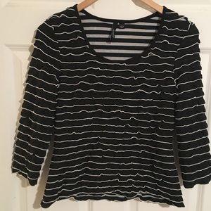 Essentials by Milano Black/White Shirt. Size S.